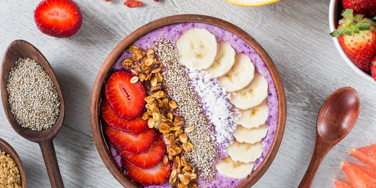 Smoothie Bowl with lots of fresh fruits and grains